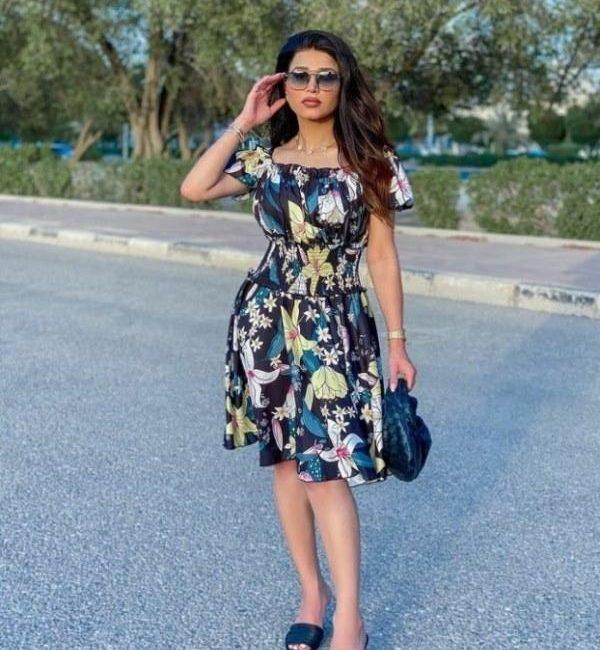 فستان نهى مطبع بالورود