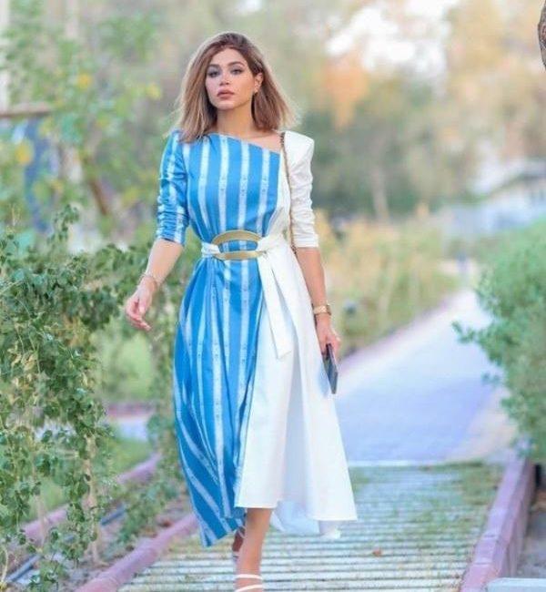 فستان نهى باللونين الأزرق والأبيض